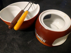 Fondue Set With Two Forks