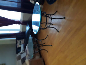 2 glass end tables in excellent condition