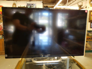Haeir LED Flat Screen TV