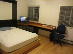 Big fully furnished room in huge Kerrisdale/S. Granville home