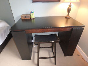 Beautiful Black Office Desk with Stool