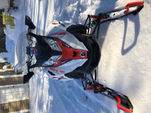 2016 ski-doo 1200 Renegade Rev X pkg for sale. like new