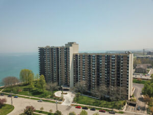 RENOVATED 2-BEDROOM LAKEFRONT CONDO IN STONEY CREEK...
