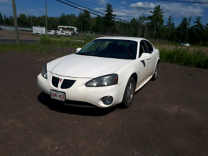 2008 Pontiac Grand Prix, low mileage