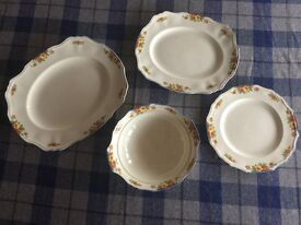Alfred Meakin Marigold Serving Plates