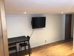 Room for rent - Oct 1st!! Near MOHAWK COLLEGE