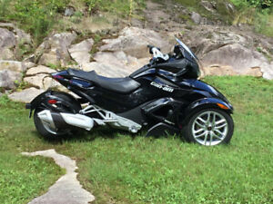 Can am spyder st 2013