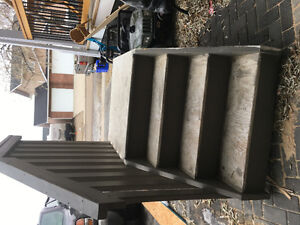 Free stairs and landing good condition
