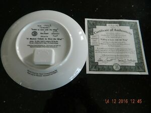 9 Elvis Plates 5 musical 4 without music