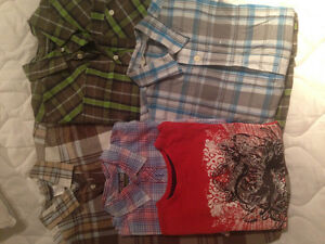 4 short sleeved button down shirts + 1 tshirt