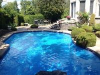 Responsable d'une route d'entretien de piscines (poolboy)