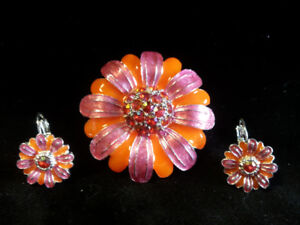 Colorful Daisy Pin and Earring Giftset