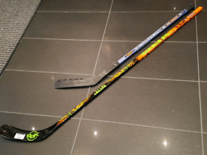 2 bâtons hockey  SBK & EASTON