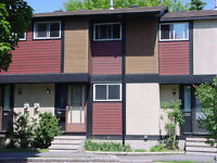 Kanata (Katimavik) Beautiful 3 Bedroom Townhouse
