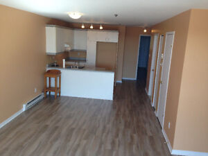 Condo style 31/2 great location available April 1