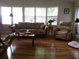 Lovely Home in 55+ MHP for Rent - Canadian Owned