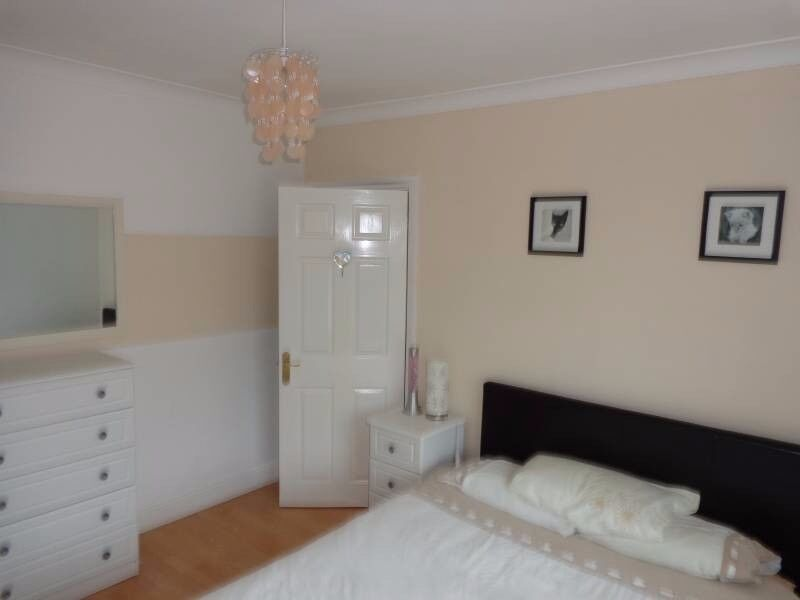 Beautiful double room - very close to train station