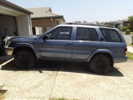 2000 Nissan Pathfinder, sun roof, new tyres, may swap commodore Pimpama Gold Coast North Preview