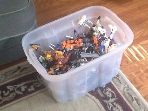LEGO: Bionicle Bin over 700 pieces!