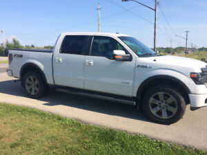 2013 Ford FX4 Loaded Leather NAVI, 1 owner, mint