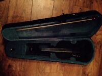 FULL SIZE 4/4 VIOLIN, perfect for beginners / students - hardly used!