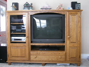 Solid Oak Entertainment Centre / Unit