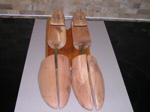 Men's Dack's Cedar Shoe Trees Fits Size 9 Like New