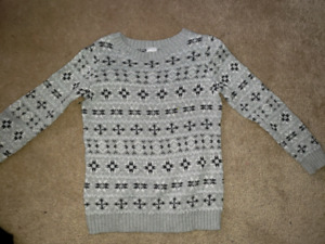 Carters size 5 knitted sparkly snowflake sweater