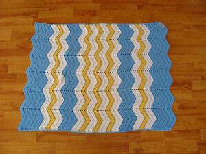 Superbe couverture de bébé mesurant 30 ''x 40 '' NEUVE Saint-Hyacinthe Québec image 1