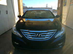 2013 Black Hyundai GLS well maintained, great deal!