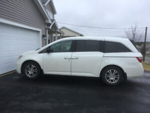 2013 Honda Odyssey EX RES with rear entertainment system