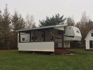 2002 Everest Fifth Wheel