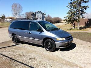 1996 Dodge Caravan Minivan, Van