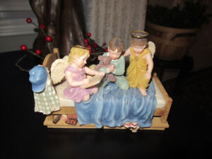 PRAYERS AND PROMISES TABLE ORNAMENT
