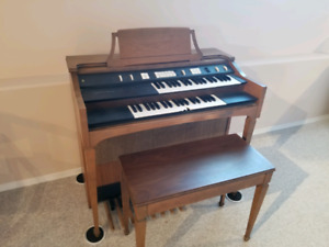 Organs | Buy or Sell Used Pianos & Keyboards in British
