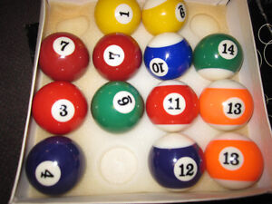 Billiard Balls - Traditional Sets ( Missing 8-Balls) - in Box Kitchener / Waterloo Kitchener Area image 8