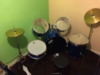 Drum kit - 7 piece brand new unwanted gift