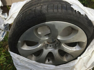 275 35 R19 BRIDGESTONE tire and rims from bmw 645