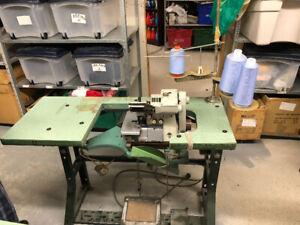 Machine à coudre industrielle Brother à vendre $400