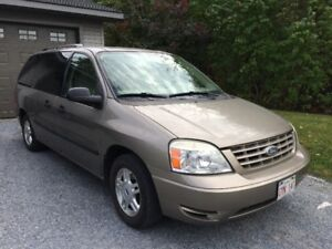2005 Ford Freestar SE Minivan, Van