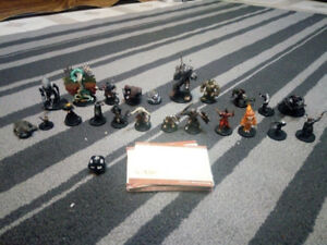 D&D 2005 Wizards Figures with cards LOT Couatl Ankheg Iron Golem