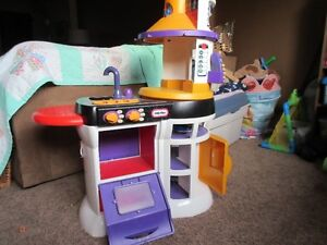 Little Tykes Play Kitchen Windsor Region Ontario image 1