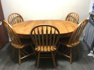 Antique Oak Pedestal Table And Chairs