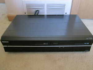 Toshiba DVR630 VCR/DVD Comb Recorder with HDMI 1080p output