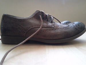 Calvin Klein Jeans Brown Leather shoes Sz 10.5 (Never Worn)