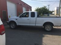 2001 Ford F-150 4 x 4 Truck SAFETIED