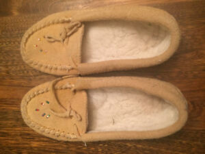 Moccasin slippers size 3