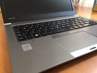 Toshiba z30 ultrabook/ i7 / 8gb /128ssd