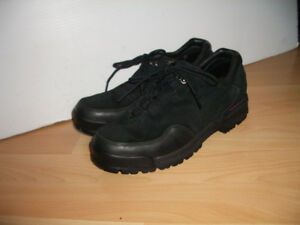 """Shoes NEW """""""" ROCKPORT """""""" chaussures -- size 8.5 - 9 US lady"""