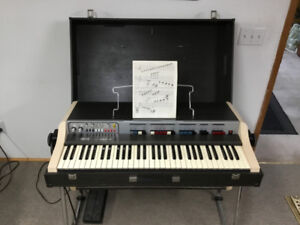 Vintage 1970's Farfisa  stand alone 5 octaves piano.
